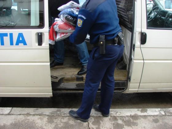 bunuri-textile-confiscate-de-politisti