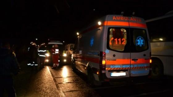 accident_grav_topolovatu_mare_lugoj_timisoara_politie_pompieri_ambulanta_smurd_tir_microbuz_foto_redesteptarea_2015_9_88036600