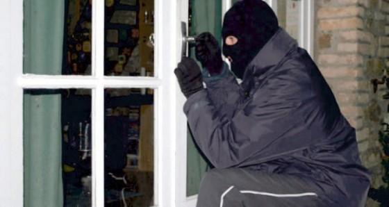 recomandari-pentru-prevenirea-furturilor-de-buzunare-si-locuinte-in-perioada-sarbatorilor-1514297075
