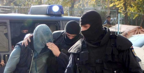 tineri-arestati-pentru-droguri