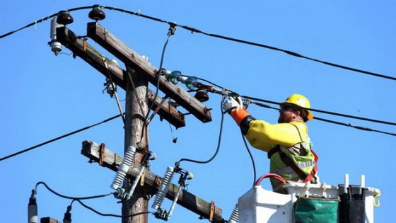 electrical-worker